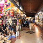 Mercado de Temuco. Sus pasillos son lo suficientemente amplios, lo que facilita su accesibilidad.