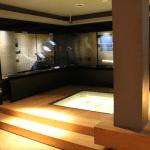 El problema es que cuando se quiere subir para ver otros pisos del museo, deja de ser accesible.