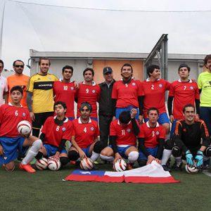 Aparece todo la selección de fútbol ciego y el cuerpo técnico.