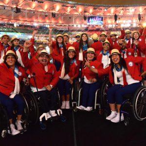 El Team Chile posa en la ceremonia de clausura de los Juegos Paralímpicos de Río 2016